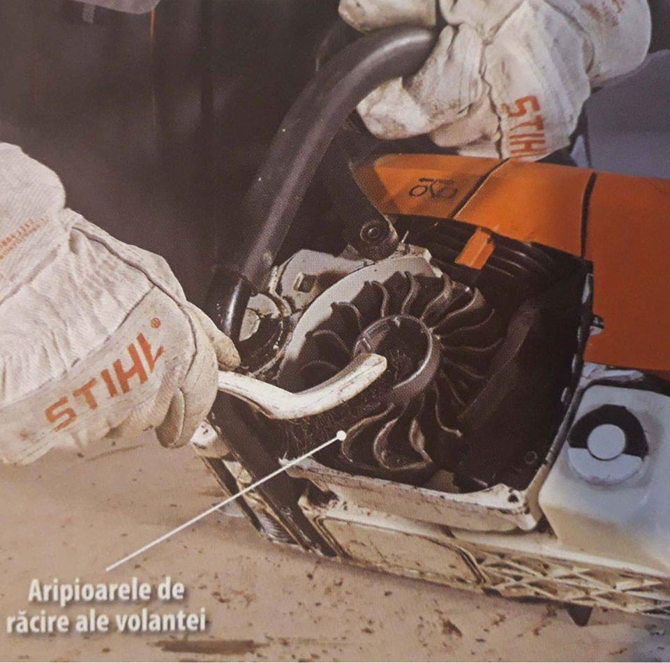 Motoferastraul STIHL: inspectare demaror si sfoara demarare
